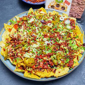 meatless-ultimate-vegan-nachos-min