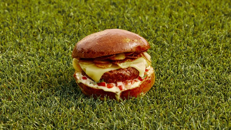 Meatless Farm & Real Madrid plant-based El Clásico Burger recipe