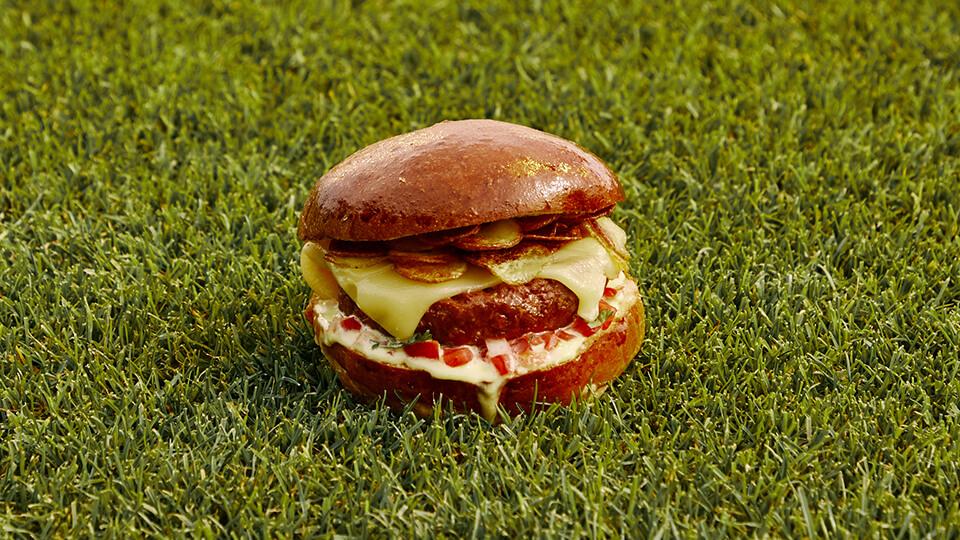 Meatless Farm & Real Madrid plant-based El Clásico Burger recipe